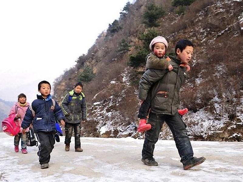 小小说:徐老师的白色手套