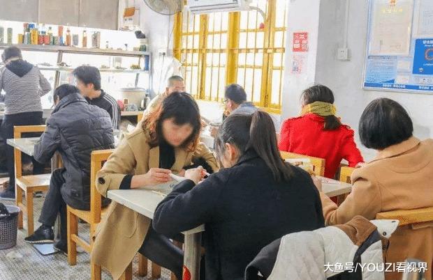 曾是餐饮界三巨头之一, 为何现在吃客却越来越少? 网友: 怪它自己