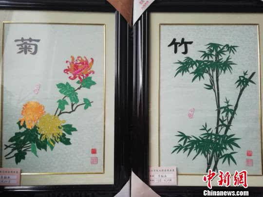 """武汉七旬太婆""""变废为宝""""制作手工艺品"""