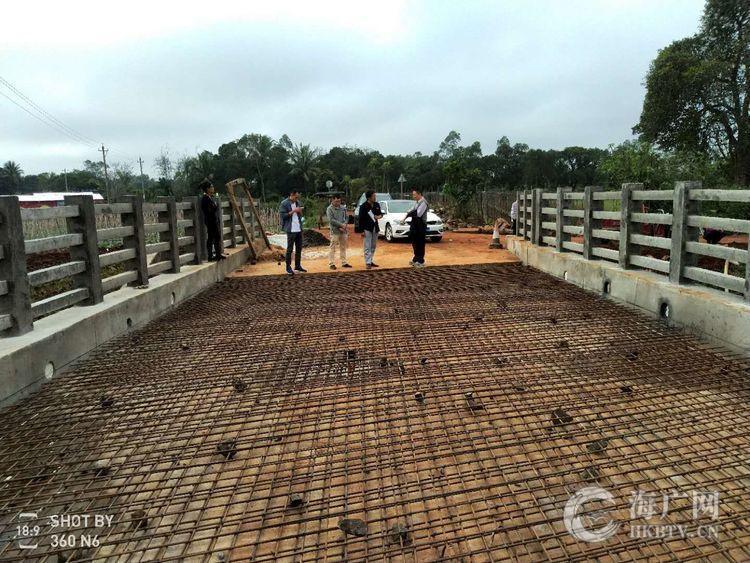 秀英区现场督察指导农村公路六大工程建设