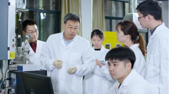 催化剂技术有了源头创新 浙工大李小年教授团队获国家技术发明奖二等奖