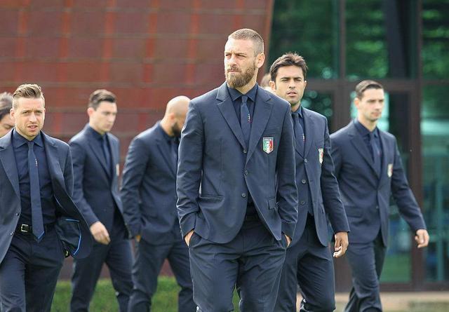 中国男模队的西服,咋看着跟意大利男模队有差距啊!
