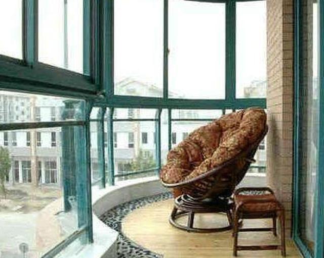 婆婆不听劝天天捡鹅卵石回家,看到阳台装修后的效果,我被打脸了