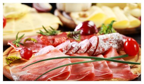 以前穷人吃鲍鱼海参,如今生活颠倒了,给家禽吃的却成了奢侈食材