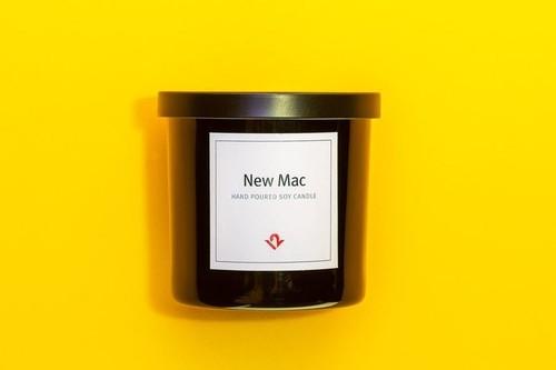 它散发的香味不仅仅是只有刚开箱苹果电脑的味道,而且据说还能帮你清理自己的思绪,激发创意。当然了,新款的价格也更贵了。据悉,Inpsire香薰蜡烛的价格为29.99美元,燃烧时间为60-70个小时。