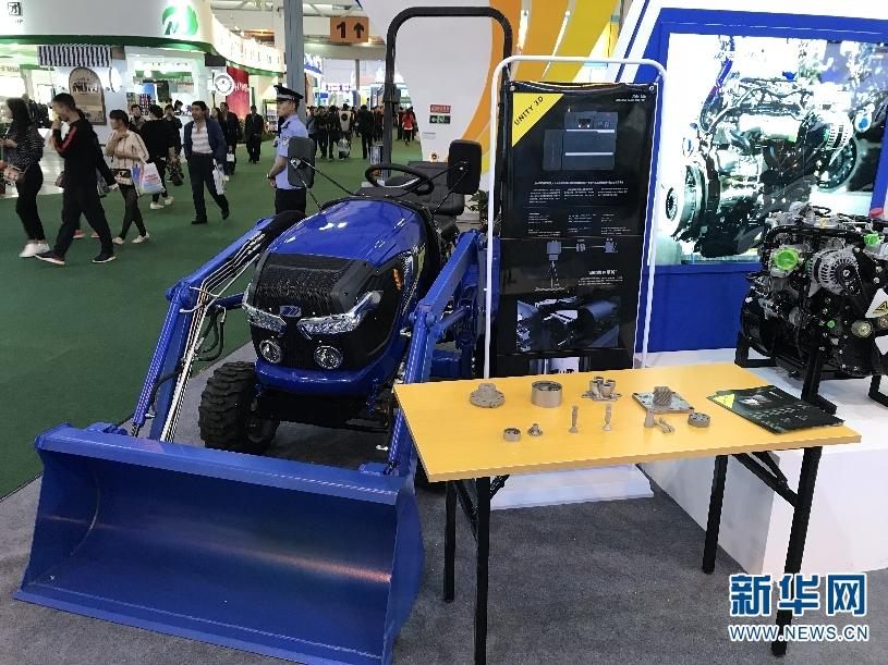 近日,由云南省农业机械研究所、云内动力集团、昆明理工大学、705研究所共同研发的云南省首款四轮四驱山地拖拉机——JY254型拖拉机在第5届南博会制造业馆亮相。