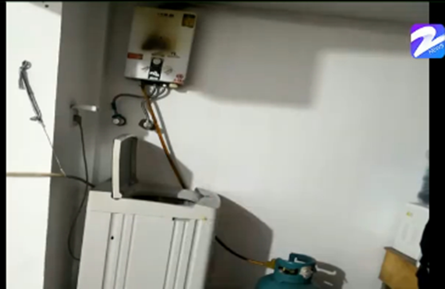 老式热水器煤气中毒,民警5分钟救出3人,民警:要保持通风流畅