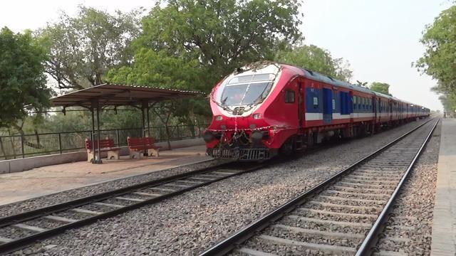 印度发明太阳能火车,声称赶超中国!才知道我们误会印度多年