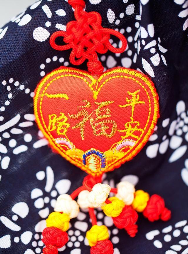 高以翔粉丝为他精心制作春节工艺品,寓意吉祥