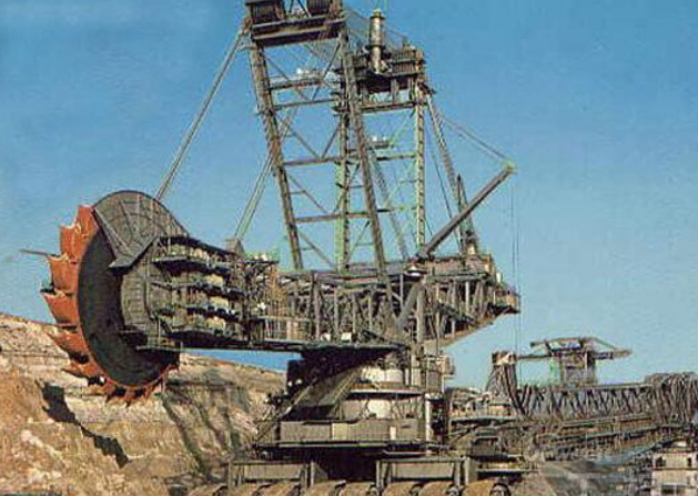 德国花近7亿人民币,造世界上最大的挖掘机,中国:甘拜下风