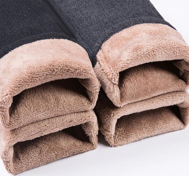 衬衣塞裤腰,比长靴有范,建议多穿下面男裤,人人穿的起
