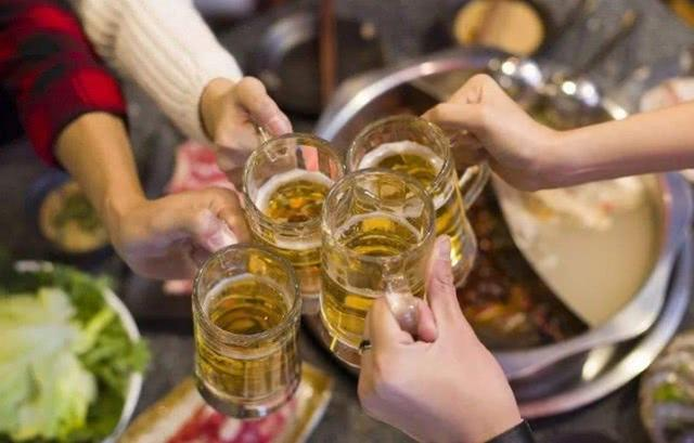 """请客喝酒必懂的礼仪,如果你不懂,注定当个""""酒囊饭袋"""""""