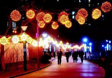 今年太原高校学生回家更方便啦!还有17多万件灯饰将装饰在100多公里长的...