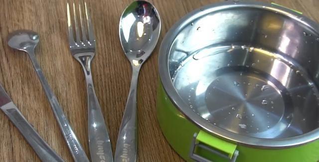 不锈钢餐具厨具很好用,但有几样东西不能放里面,好些人都做过