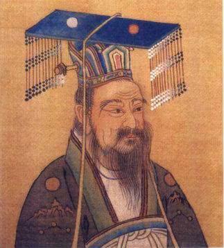 """皇帝为啥帽子上都带着的""""门帘子"""",这其中的门道你知道多少?"""