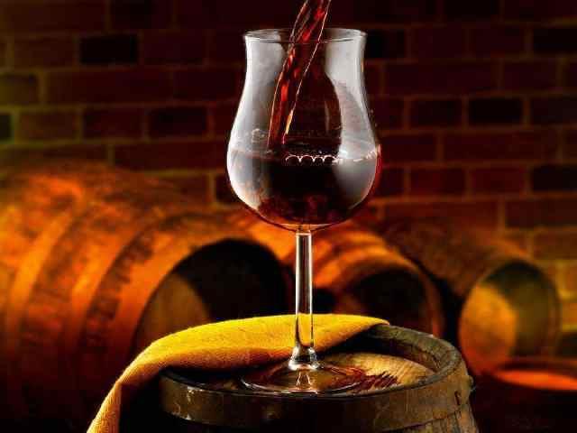 红酒对人体有什么好处?看看葡萄酒这5大功效,网友:老板来一瓶