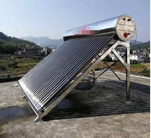 还在用太阳能热水器?试试这种新型热水器,阴雨天也能用!