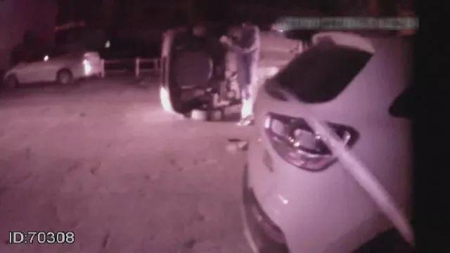 事发人民路!一辆吉普车撞上奔驰后侧翻,竟是因为酒驾