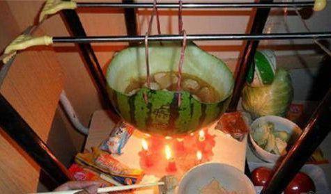 大学毕业季来临,还记得宿舍里那些神人吗?曾用蜡烛煮火锅!