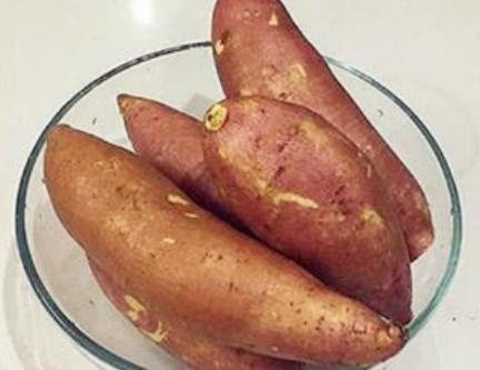 爱吃红薯的都看看,一个简单的厨具,你就能吃到美味可口的烤红薯