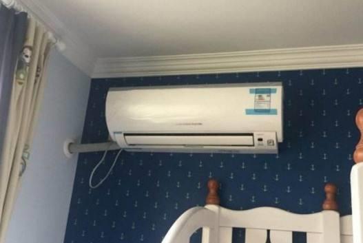头次见空调挂在这里,太聪明了,美观实用还不占空间!