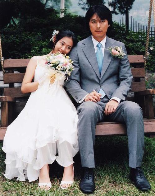 孙艺珍重回《我脑海中的橡皮擦》拍摄地,与李昇基再现经典照