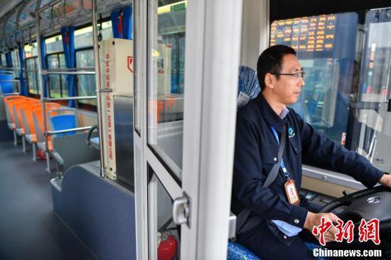 海口新添300辆纯电动公交车 全部安装司机防护门