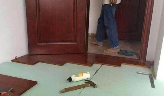 为啥越来越多的人都喜欢在瓷砖上面接铺木地板?原来好处那么多