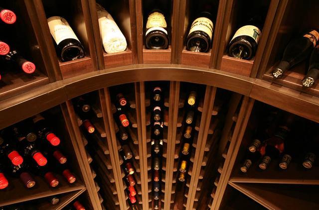 环球酒库告诉你:冬天保存葡萄酒,这几个要点要注意!