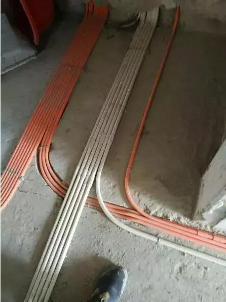 20年老电工的布活线工艺,这样隐蔽线一抽就出来了,真的太实用