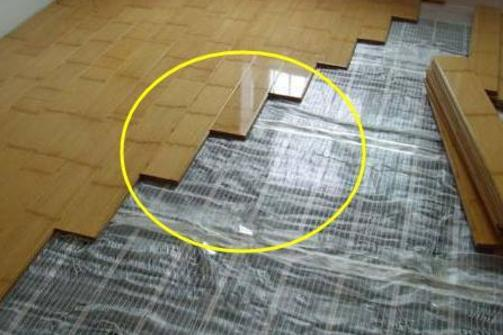 越来越多人直接在瓷砖上铺木地板,聪明人一看就懂,后?.