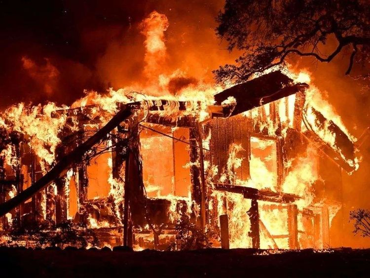 钢筋混凝土建造的大楼,为什么很小的火灾源就会引起一栋楼失火呢