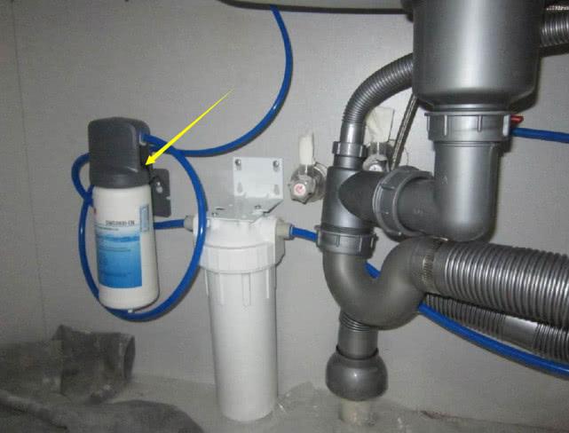 农村房水质差,水管前装过滤器,卖家强推铜质的:不实用退双倍钱