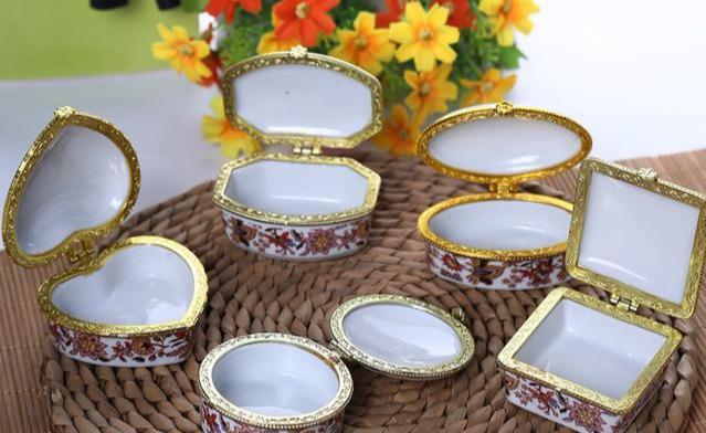 心理测试:四种陶瓷首饰盒选一个,测你在异性心中魅力大不大?