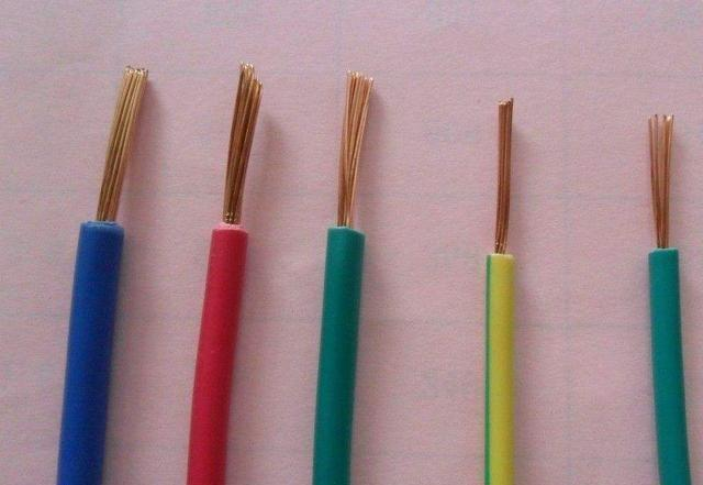 为什么聪明人家里只用2.5平方的电线?幸好电工提醒,差点装错了