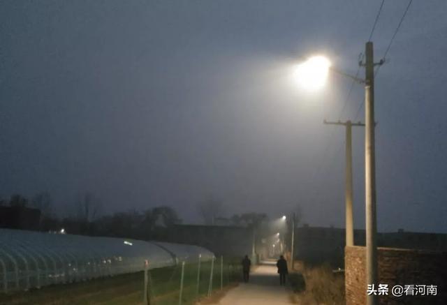 汝州这位村民自掏腰包12万元,为村里安装了70多盏路灯,他是谁?