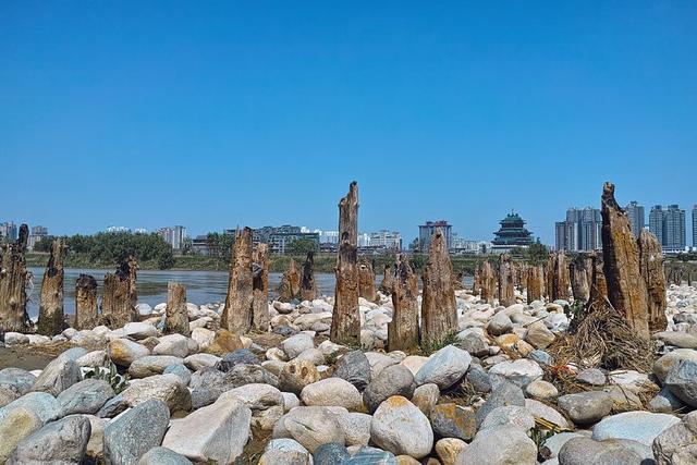 中国最牛的铁塔,不仅屹立400余年不倒,而且还不生锈!