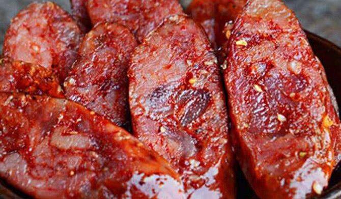 腊肠外面的薄膜,是猪肠还是橡胶?不明白真是白吃这么久