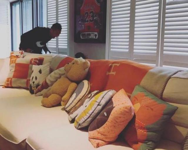 晒晒范玮琪一家人的豪宅:全屋装了名贵木地板,小孩玩具也太多了