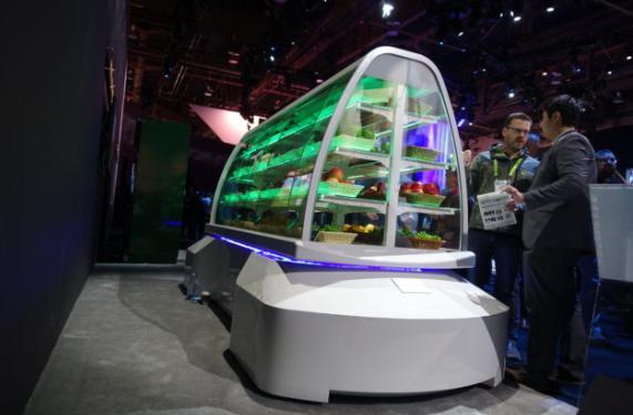 盖世汽车讯 Robby打造了一款带车轮的小型自动驾驶流动型机器人autonomous rover robots,该公司向其他想要与客户建立直接销售渠道的各大品牌提供机器人及软件租赁服务。
