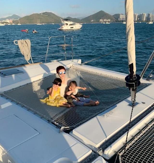 金巧巧曝光豪华游艇,网友亮瞎眼,没想到生活奢靡到这种程度!