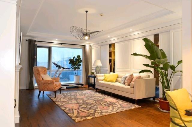 120平米美式新家客厅不要茶几更宽敞暖色调让人陶醉