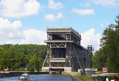 """有了三峡升船机,千吨级船舶可以""""坐电梯""""翻大坝了"""